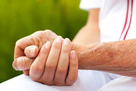Pflegedienst, händchenhaltend
