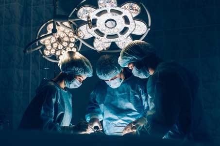 Operationssaal - Unterstützung für Chirurgen
